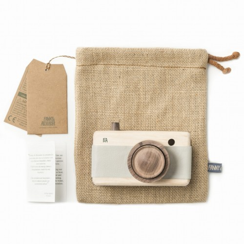 FANNY & ALEXANDER HEIRLOOM WOODEN TOY CAMERA - BREEZE